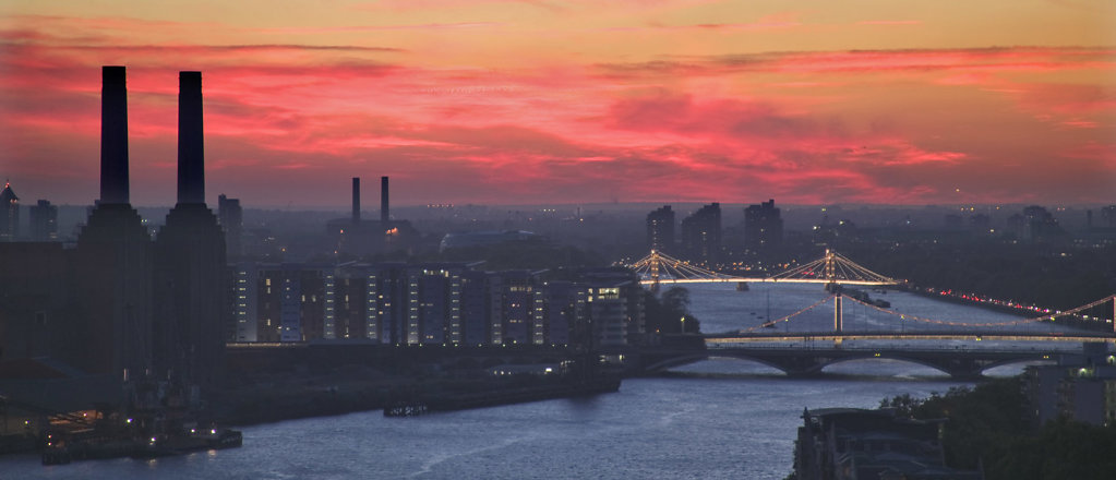 Battersea-night-panorama.jpg
