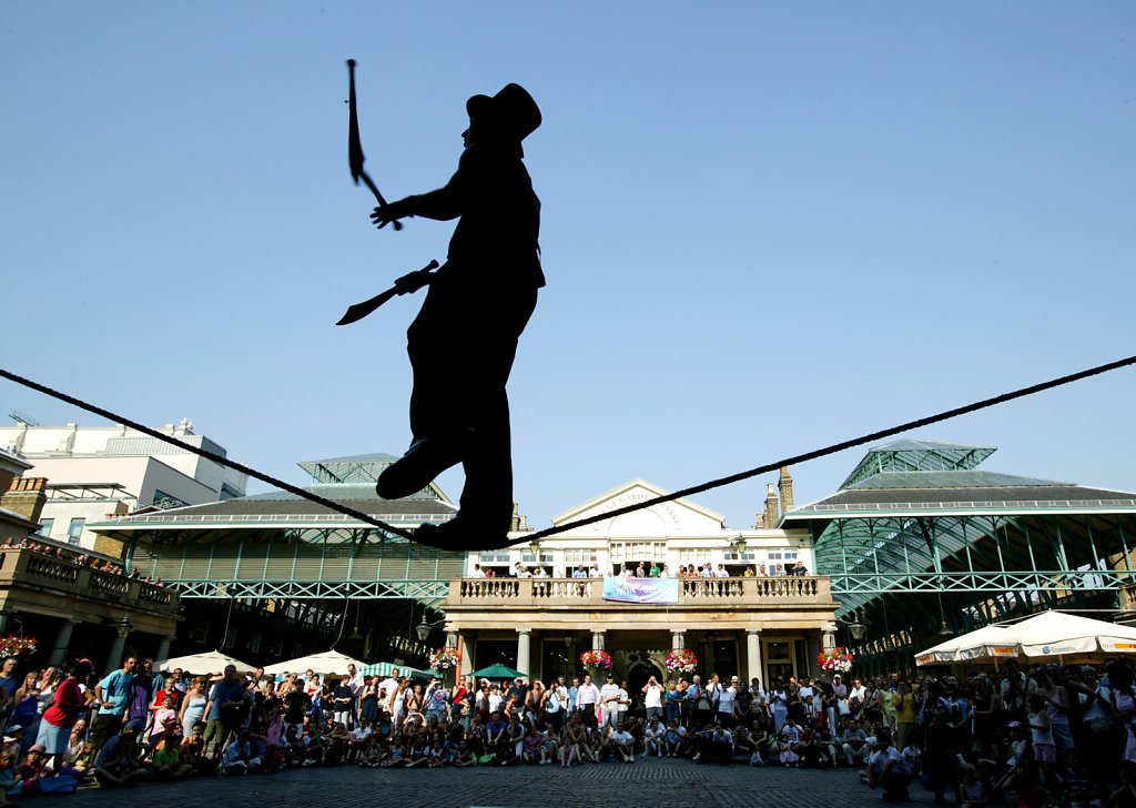 Covent-Garden-Juggler.jpg