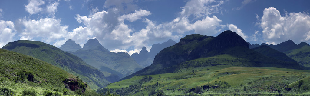 Drakensberg-Mountains-SA.jpg