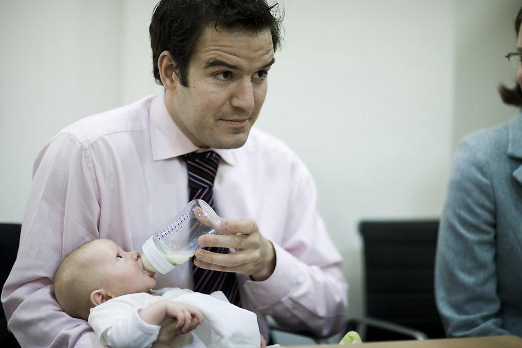 Baby-feeding-in-meeting.jpg
